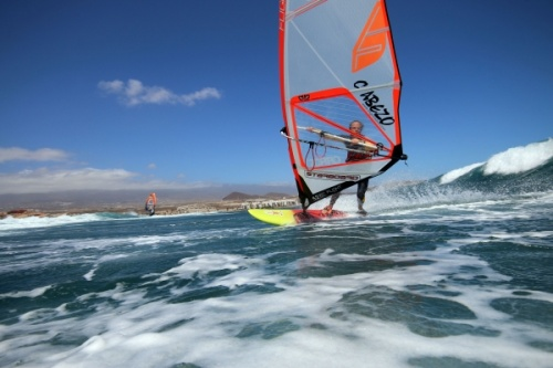 Windsurfing and kitesurfing at El Cabezo in El Medano Tenerife 16-09-2016